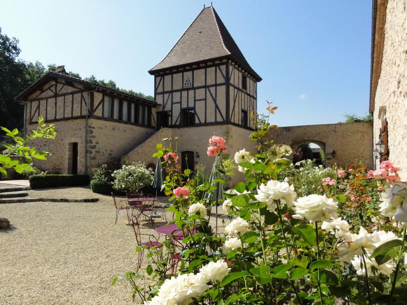 French property for sale in Villeneuve-sur-Lot, Lot-et-Garonne - €1,990,000 - photo 3