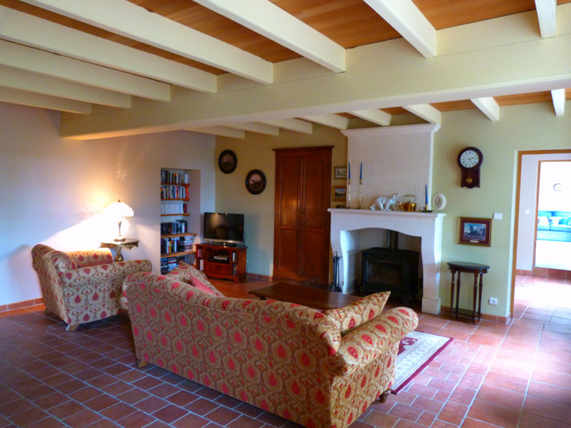 French property for sale in Vanzac, Charente-Maritime - €348,740 - photo 9