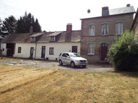 French property, houses and homes for sale inMontigny-les-JongleursSomme Picardie