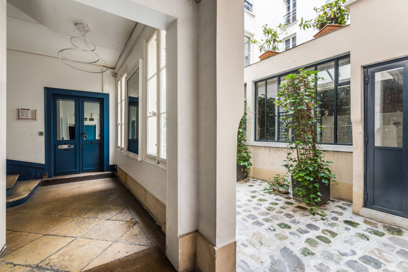 French property for sale in Paris 3e Arrondissement, Paris - €527,000 - photo 5