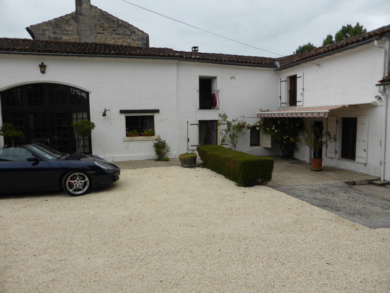 French property for sale in GRAVES, Charente - €399,000 - photo 2