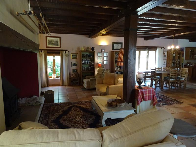 French property for sale in Saint-Jory-de-Chalais, Dordogne - €299,600 - photo 5