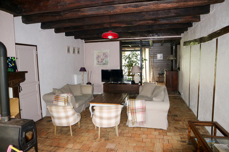 French property for sale in Lathus-Saint-Rémy, Vienne - €189,000 - photo 4