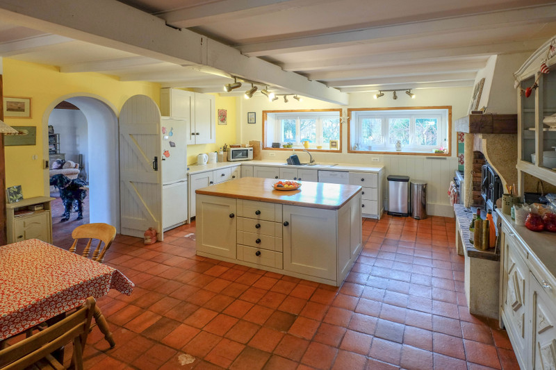 French property for sale in Port-d'Envaux, Charente-Maritime - €310,000 - photo 3