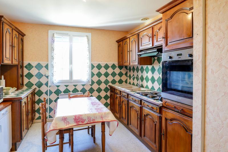 French property for sale in Reillanne, Alpes-de-Hautes-Provence - €230,400 - photo 6