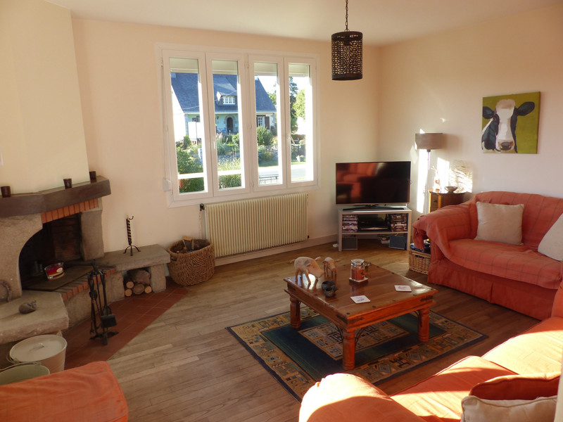 French property for sale in Néant-sur-Yvel, Morbihan - €136,250 - photo 4
