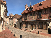 French property, houses and homes for sale inSaint-Julien-du-SaultYonne Burgundy