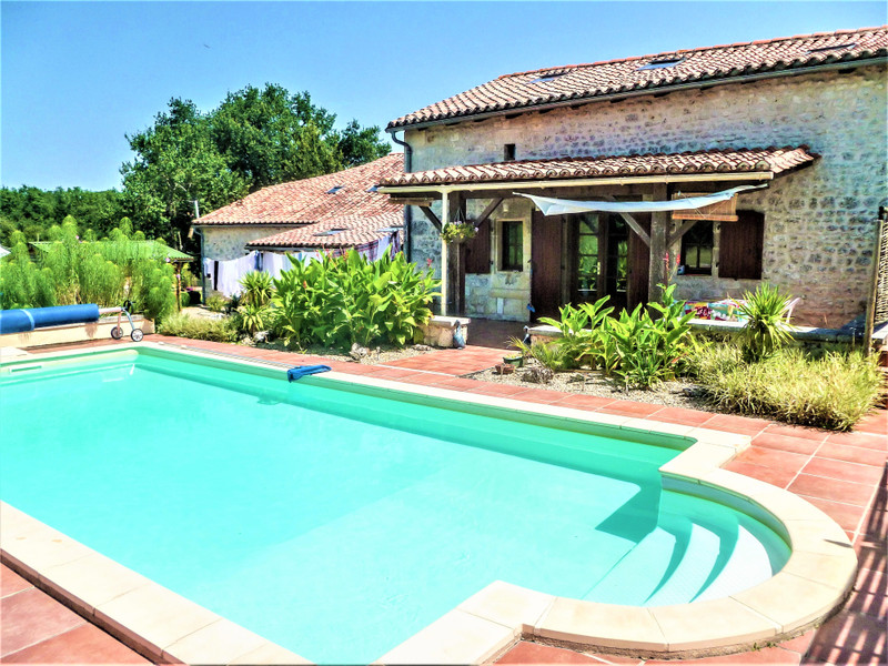 French property for sale in Champagne-et-Fontaine, Dordogne - €295,000 - photo 2