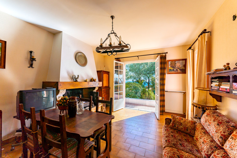 French property for sale in Èze, Alpes Maritimes - €1,180,000 - photo 3