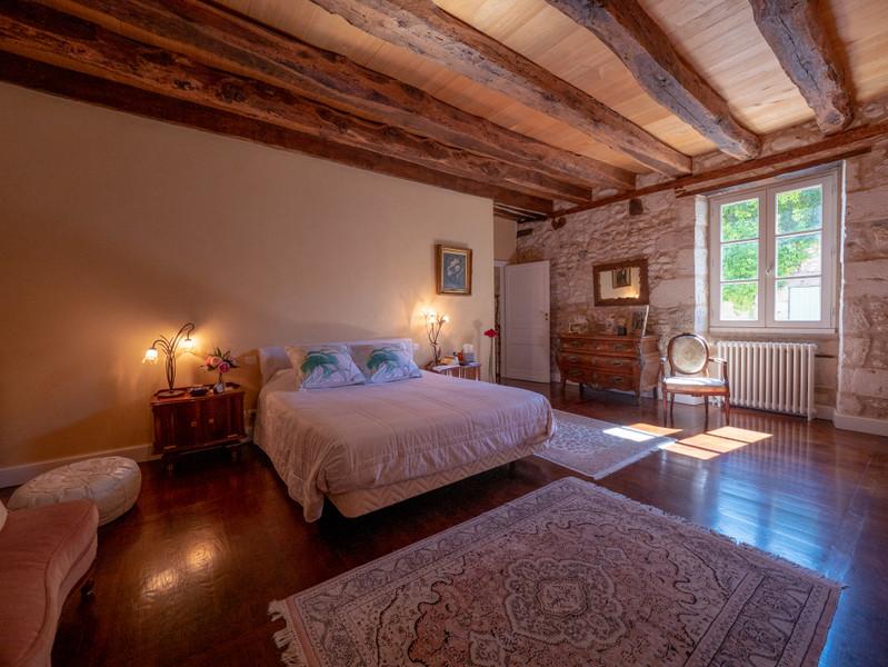 Maison à vendre à Eyliac, Dordogne - 940 000 € - photo 5