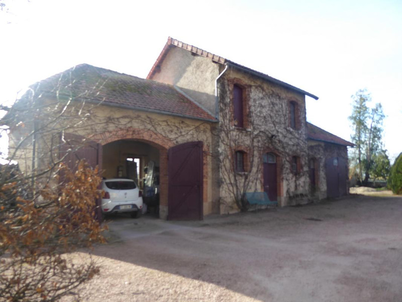 French property for sale in Saint-Gérand-le-Puy, Allier - €595,000 - photo 7