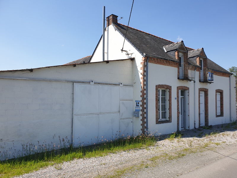 French property for sale in Congrier, Mayenne - €61,600 - photo 2