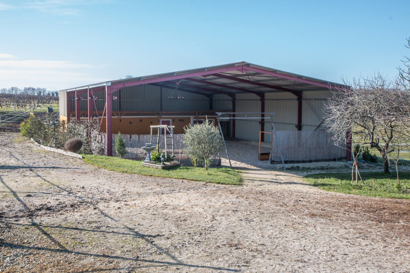 French property for sale in Barbezieux-Saint-Hilaire, Charente - €382,000 - photo 10
