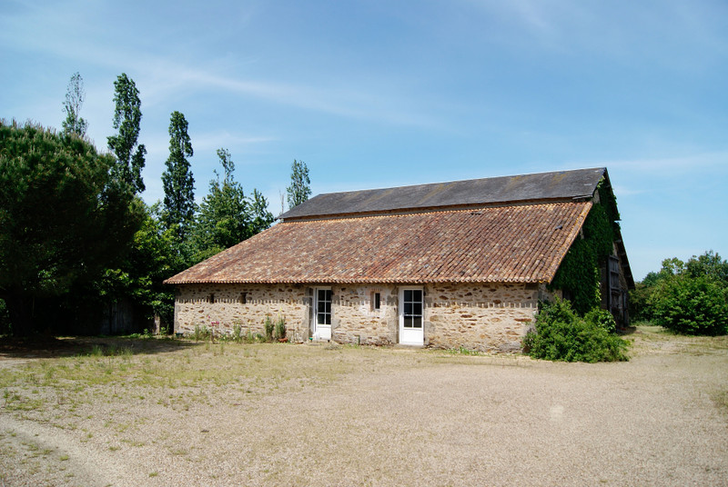 French property for sale in Adilly, Deux-Sèvres - €278,200 - photo 10