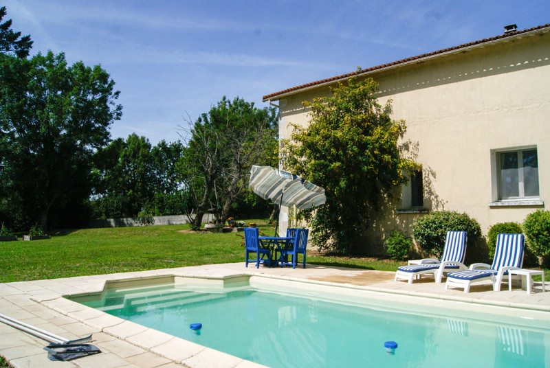 French property for sale in Fenioux, Deux Sevres - €267,500 - photo 10