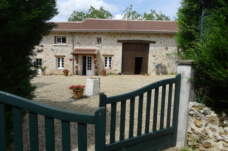 French property for sale in Saint-Sornin, Charente - €315,650 - photo 3