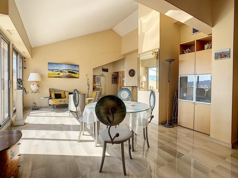 French property for sale in Cannes, Alpes-Maritimes - €890,000 - photo 9