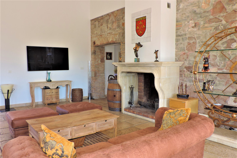 French property for sale in Vidauban, Var - €995,000 - photo 4