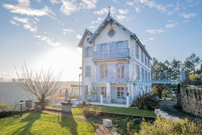 French property for sale in Jurançon, Pyrénées-Atlantiques - €2,250,000 - photo 2