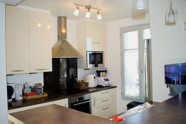 French property for sale in Saint-Germain-en-Laye, Yvelines - €595,000 - photo 2