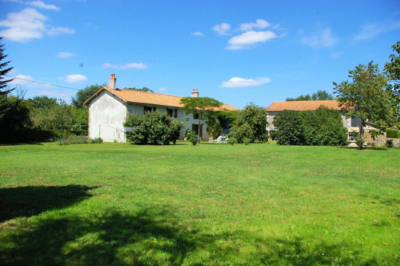 French property for sale in Clussais-la-Pommeraie, Deux Sevres - €267,500 - photo 3