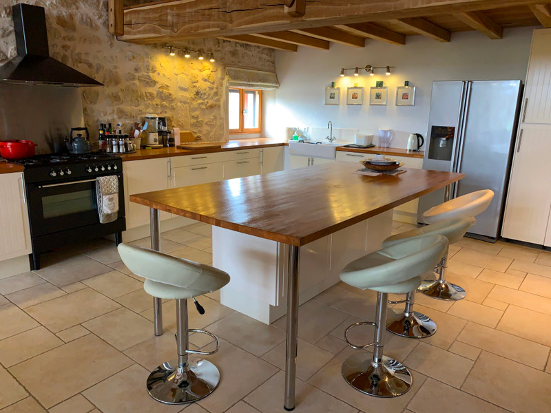French property for sale in Brossac, Charente - €397,500 - photo 5