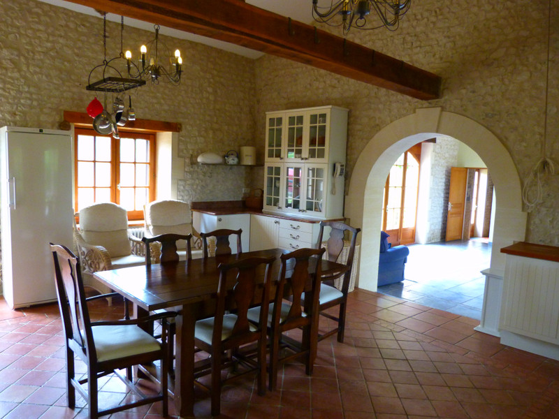 French property for sale in Vanzac, Charente-Maritime - €348,740 - photo 3