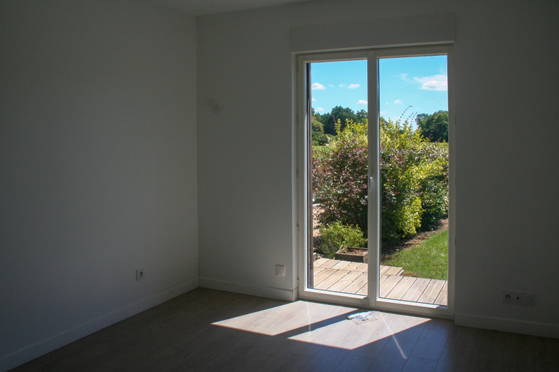 French property for sale in Fenioux, Charente-Maritime - €194,400 - photo 4
