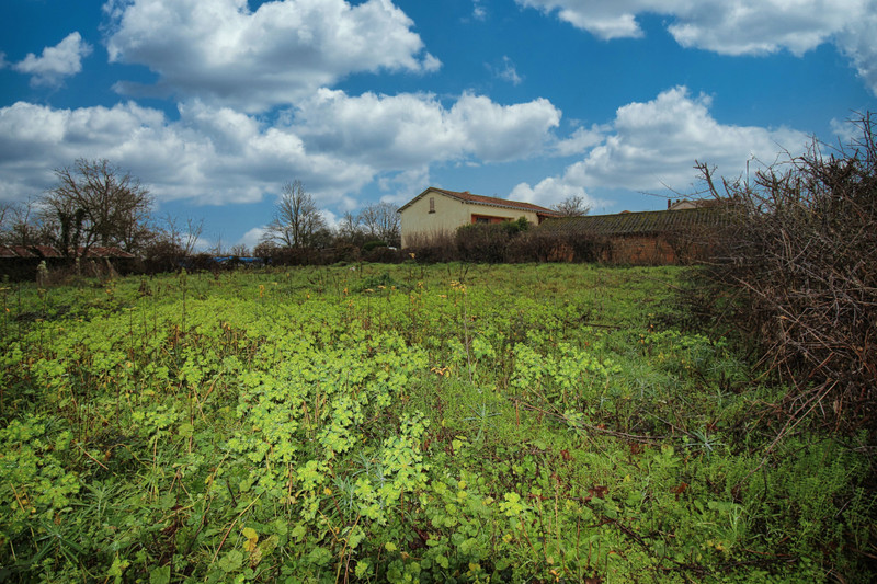 French property for sale in Oradour-Fanais, Charente - €19,995 - photo 3