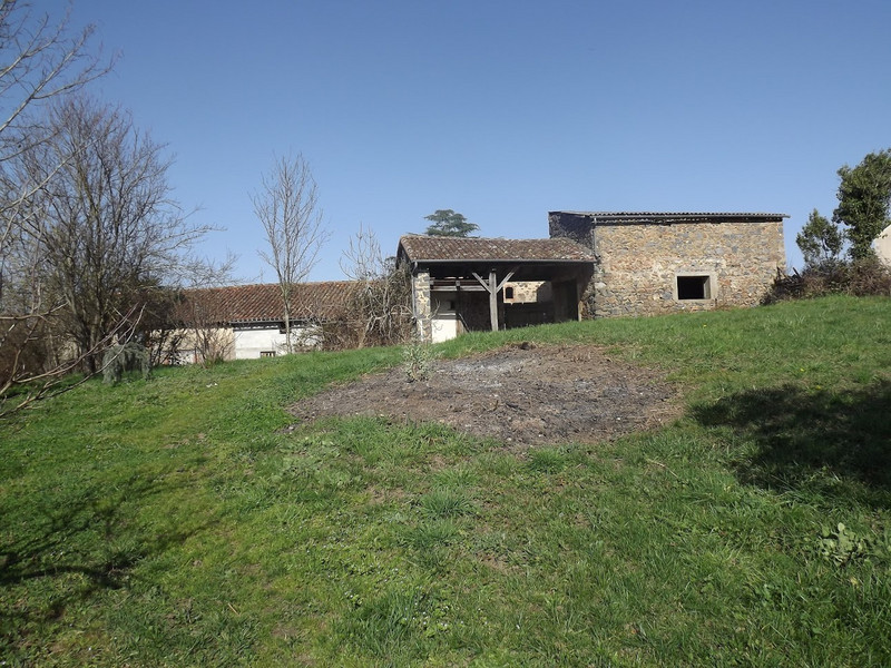 French property for sale in L'Isle-Jourdain, Vienne - €172,000 - photo 10