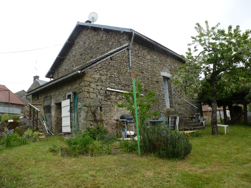 French property for sale in Bazelat, Creuse - €77,000 - photo 2