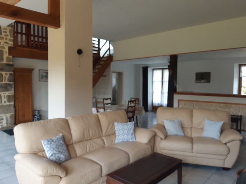 French property for sale in Couesmes-Vaucé, Mayenne - €190,000 - photo 9