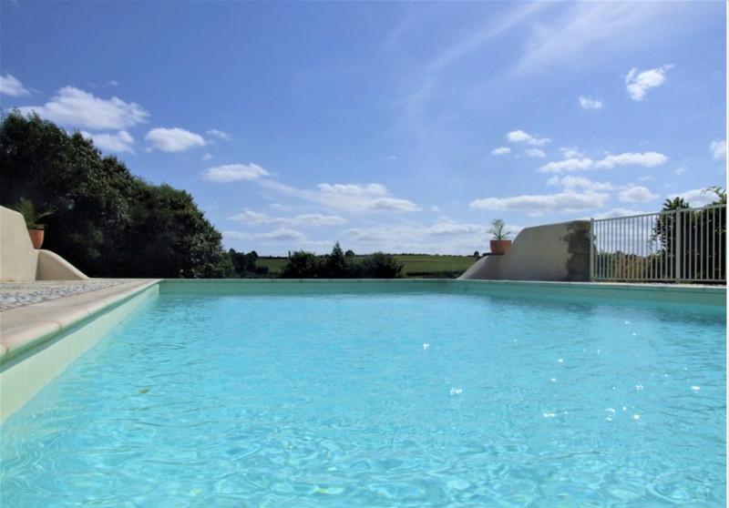 French property for sale in Vernoux-en-Gâtine, Deux-Sèvres - €404,000 - photo 4