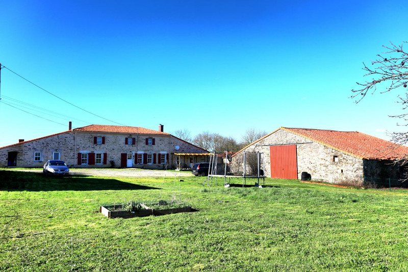 French property for sale in Chantonnay, Vendee - €318,000 - photo 2