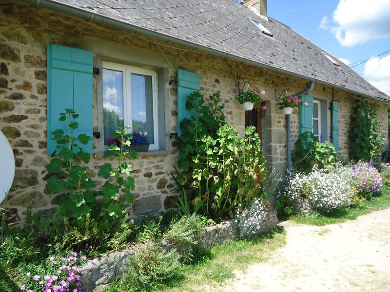 French property for sale in Chamberet, Corrèze - €93,500 - photo 2