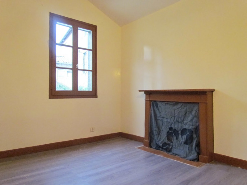 French property for sale in L'Isle-Jourdain, Vienne - €172,000 - photo 7
