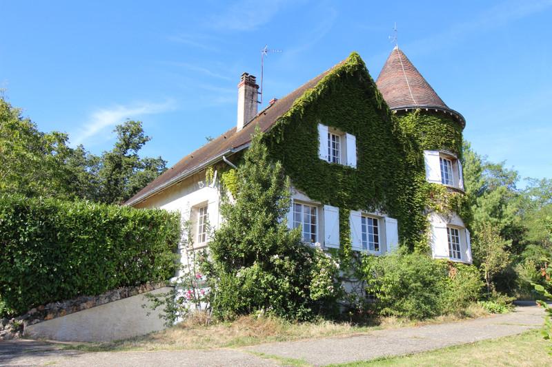 Maison à vendre à La Roche-Posay, Vienne - 275 000 € - photo 2