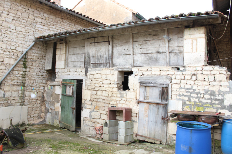 French property for sale in Vouharte, Charente - €66,000 - photo 10