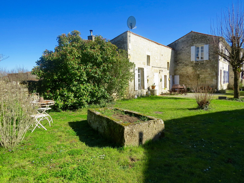 French property for sale in Crazannes, Charente-Maritime - €299,600 - photo 9