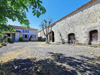French property, houses and homes for sale inVaux-LavaletteCharente Poitou_Charentes