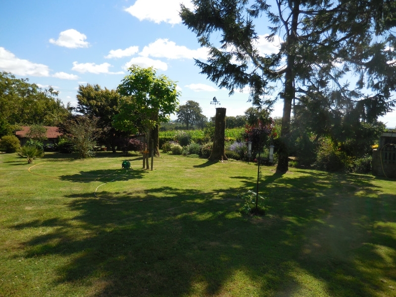 French property for sale in Saint-Vran, Côtes-d'Armor - €199,800 - photo 9