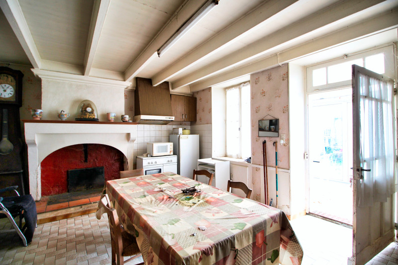 French property for sale in Rouillac, Charente - €45,000 - photo 3