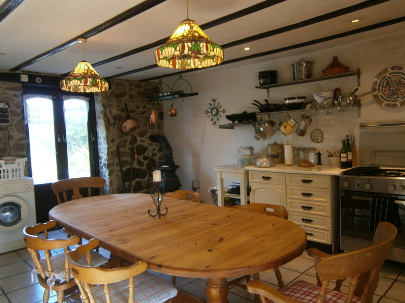 French property for sale in Plourac'h, Côtes-d'Armor - €162,410 - photo 4