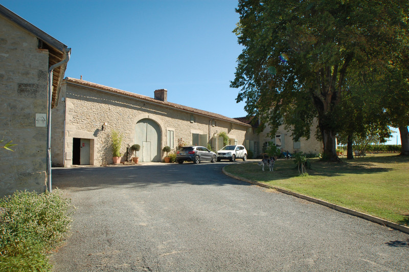 French property for sale in Cazaugitat, Gironde - €1,294,650 - photo 9