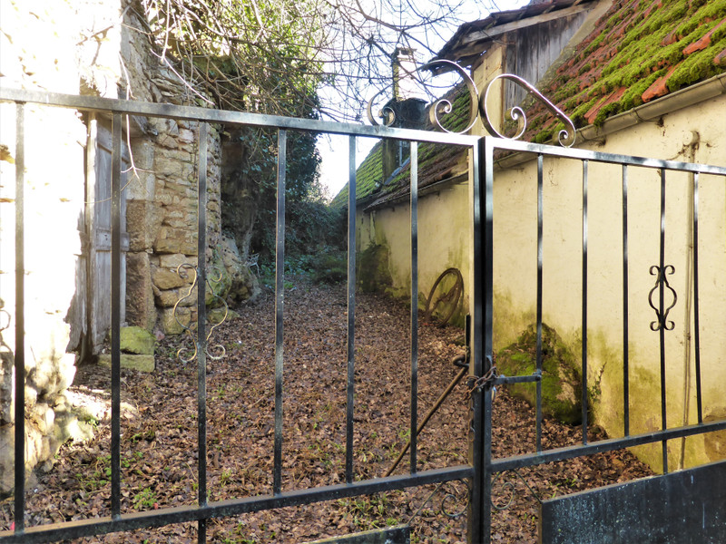 French property for sale in Saint-Cyprien, Dordogne - €109,000 - photo 10