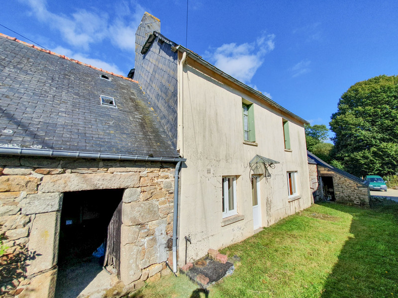 French property for sale in Rostrenen, Côtes-d'Armor - €56,600 - photo 2