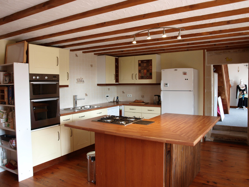 French property for sale in Chaunay, Vienne - €224,700 - photo 5