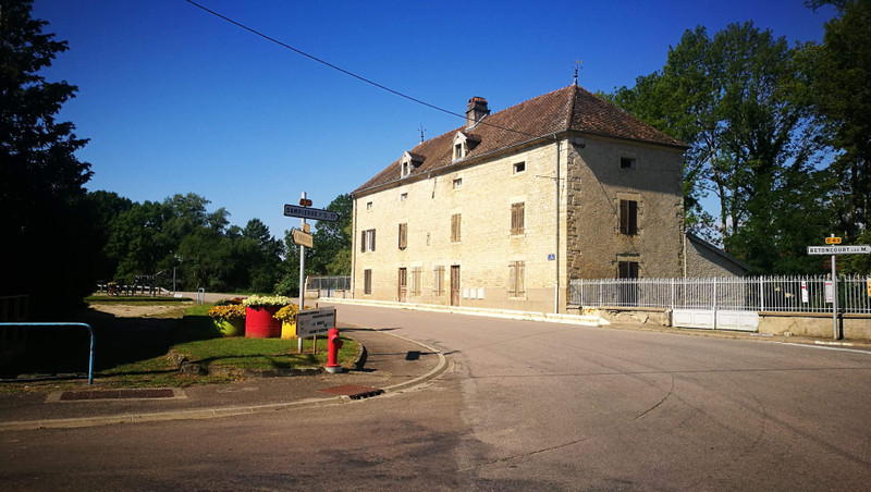 French property for sale in Vauconcourt-Nervezain, Haute Saone - €89,500 - photo 2