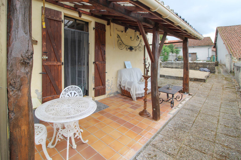 French property for sale in Saint-Christophe, Charente - €99,000 - photo 2