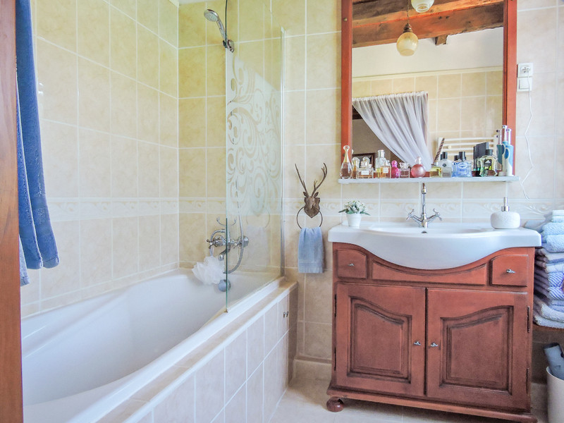 French property for sale in Saint-Léon-sur-Vézère, Dordogne - €275,000 - photo 7